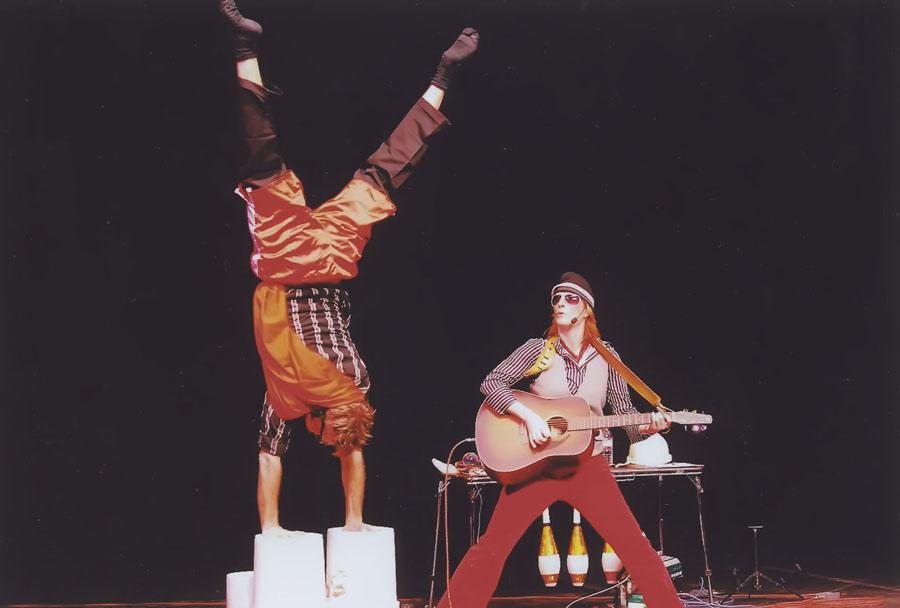 liveperformance-bucketboy.jpg